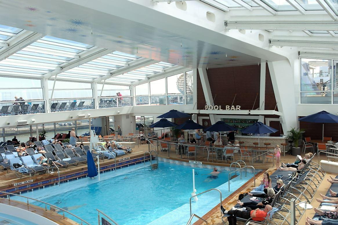 Ovation of the Seas – a visit – CruiseToTravel