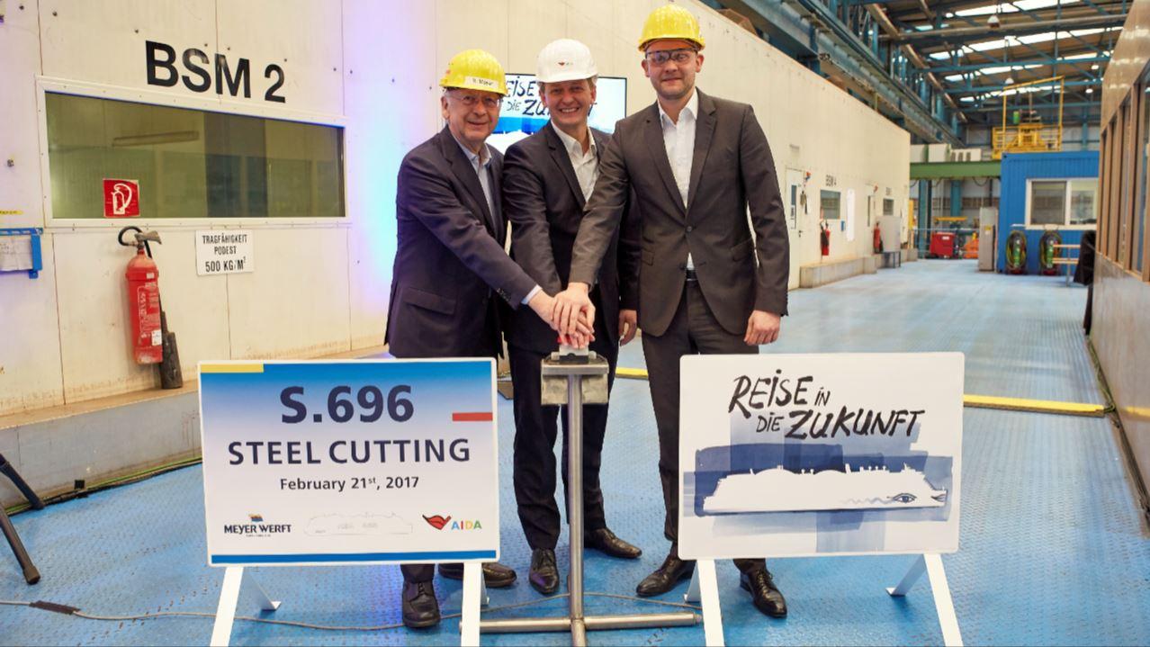 aida lng2 Baustart für die neue AIDA Schiffsgeneration auf der Meyer Werft in Papenburg mit Bernard Meyer, Felix Ei