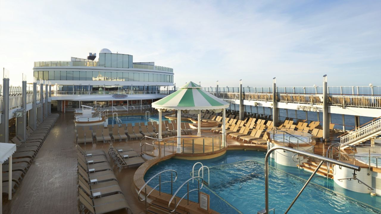 Norwegian Jewel Completes Bow To Stern Renovation
